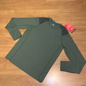 NWT The North Face Long-Sleeve Paramount Tech Tee